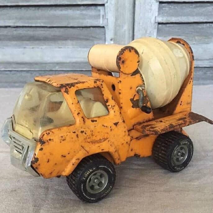 Wonderful little vintage toy Tonka truck