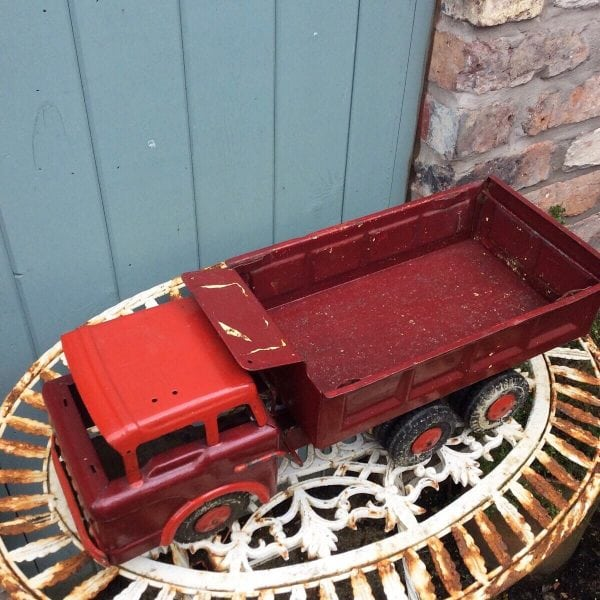 Magnificent vintage Louis Marx child's tipper truck