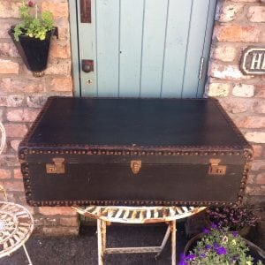 Beautiful vintage steamer trunk