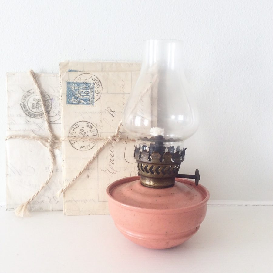 Pretty pink oil lamp