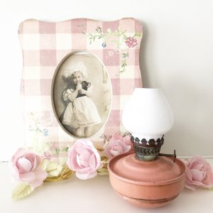 Gorgeous little pink vintage nursery oil lamp