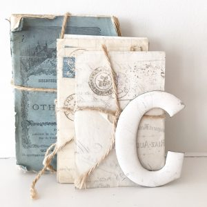 Super little vintage enamel letter (G)