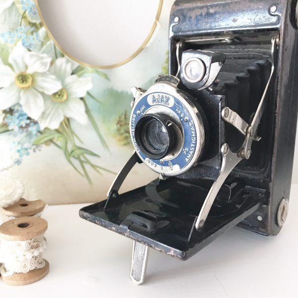 Wonderful old vintage camera