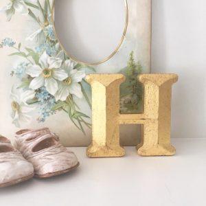 Lovely little reclaimed gold shop letter (H - 10cm)