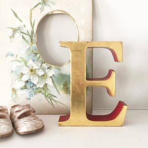 Lovely vintage gold shop letter E (Freestanding - 16cm)