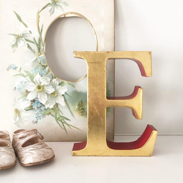 Lovely vintage gold shop letter E (Freestanding - 16cm)