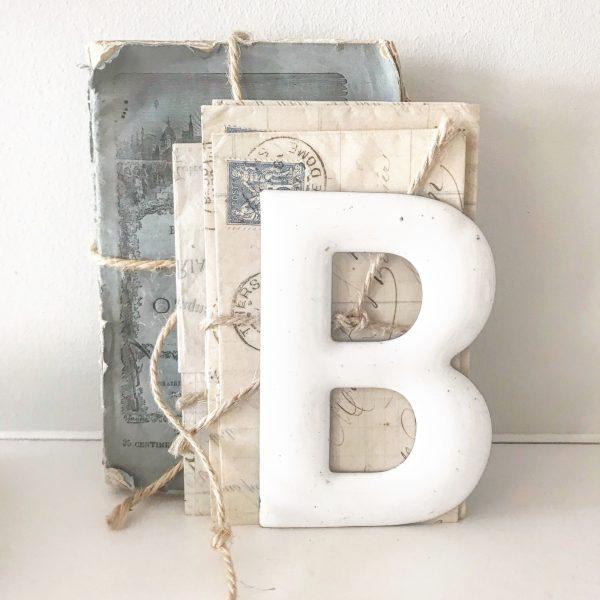 Beautiful little vintage enamel letter B (14cm)