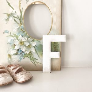 Wonderful little vintage enamel letter F (13cm)