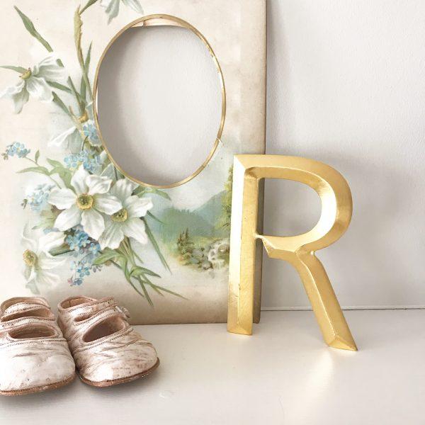 Lovely reclaimed gold shop letter - R (13cm)