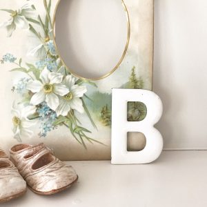 Beautiful little vintage enamel letter B (8cm)