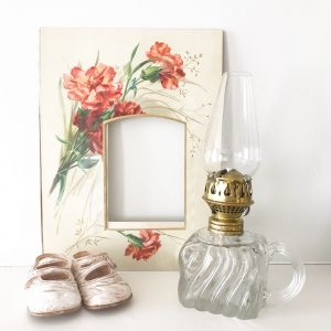Lovely Victorian floral photo mount