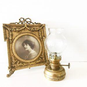 Sweet little vintage brass oil lamp