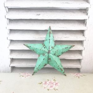 Beautiful little green Amish Barn Star