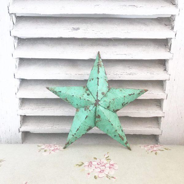Beautiful little green Amish Barn Star