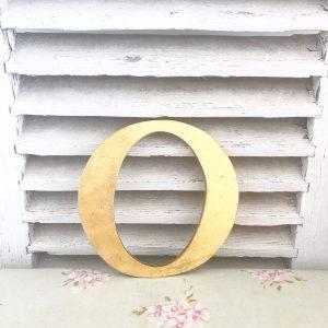 Cute little reclaimed gold letter O (17cm)