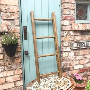 Lovely small vintage wooden ladder (105cm tall)