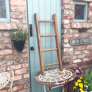 Lovely small vintage wooden ladder (100 cm)