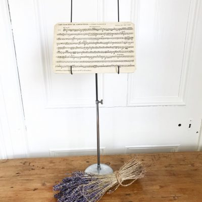 Lovely little vintage metal music stand