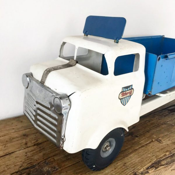 Wonderful old triang transport truck