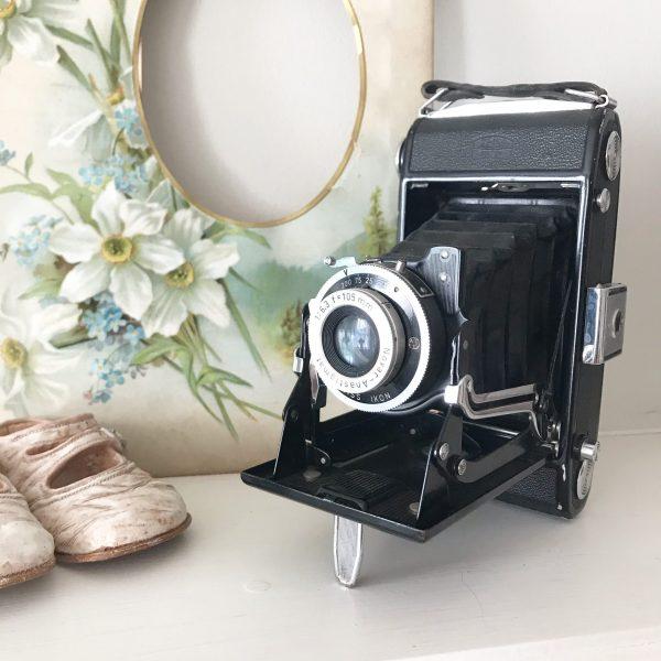 Wonderful old folding vintage camera