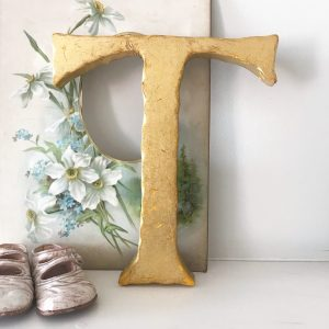 Wonderful gold reclaimed pub letter T (23cm)
