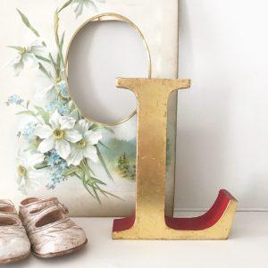 Lovely vintage gold shop letter L (Freestanding - 16cm)