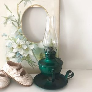 Adorable vintage green oil lamp (wall mountable)