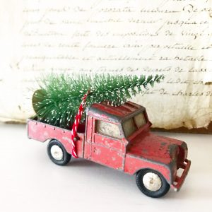 Wonderful vintage red metal pick up toy truck
