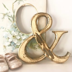 Beautifully distressed gold wooden Amphersand (20cm)