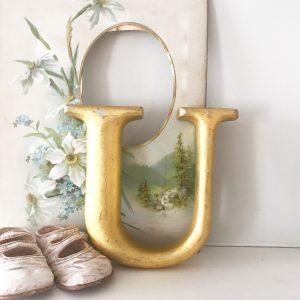 Lovely little reclaimed gold gilt letter U (15cm)