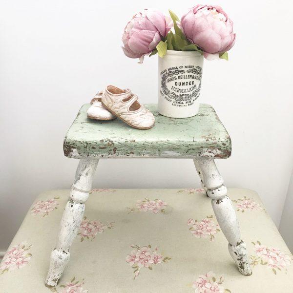 Gorgeous little vintage milking stool