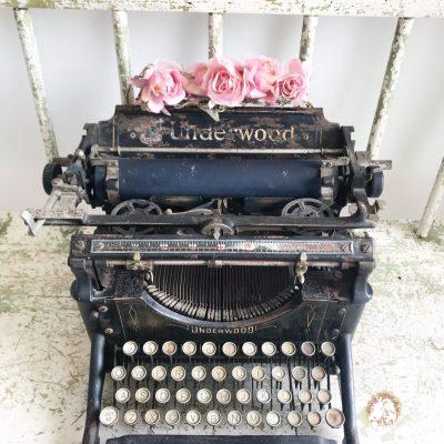 Wonderful vintage Underwood typewriter