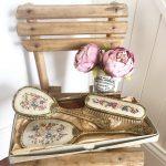 Divine vintage dressing table vanity set