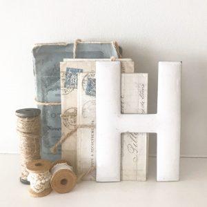 Wonderful little vintage enamel letter H (13cm)