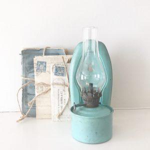 Wonderful small vintage wall mountable oil lamp