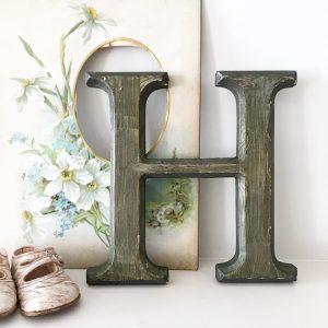 Lovely reclaimed wooden shop letter (H - 21.5cm)